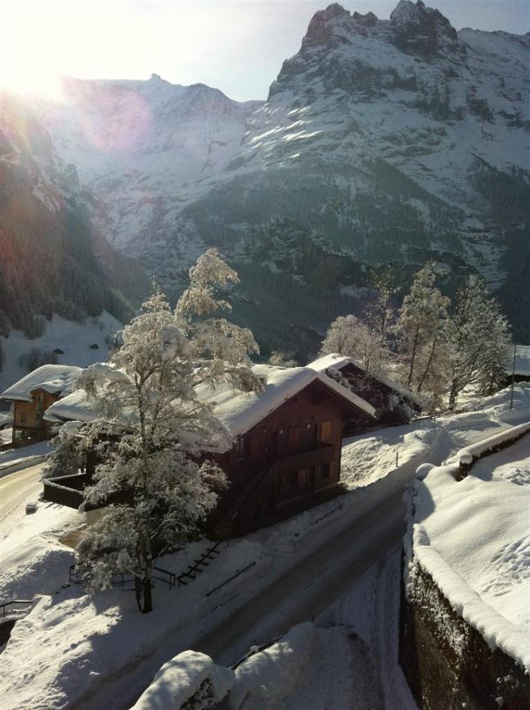 Winter: Ausblick Richtung Dorf