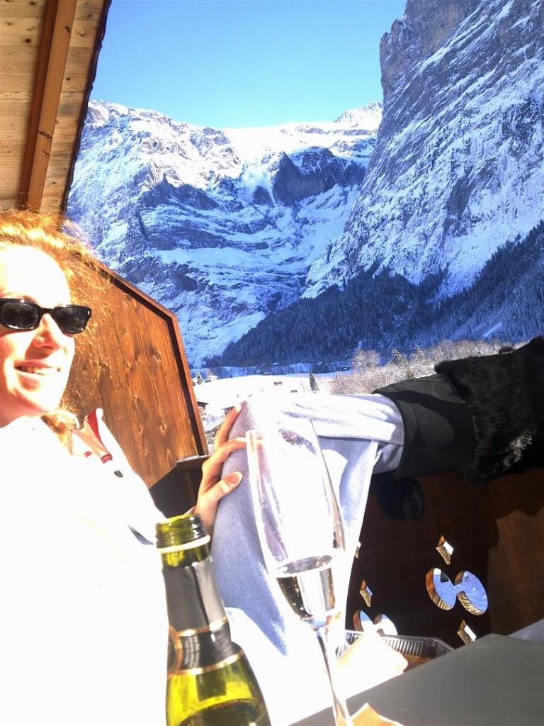 Winter: Aperitiv auf dem Balkon mit Ostsicht