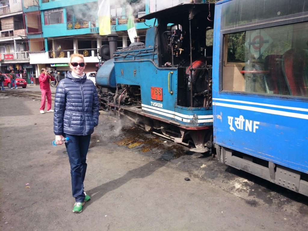 """Frau Stacho und die Dampflok des """"Toy Train"""" - Der Himalaya Bahn nach Darjeeling"""